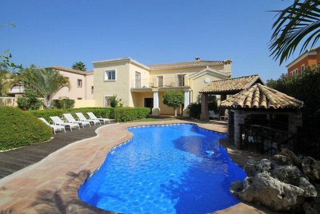 Family Villa for Sale in Guadalmina Alta, Marbella