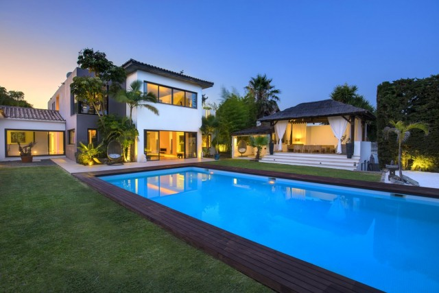 Designer Villa for Sale in New Golden Mile, Estepona