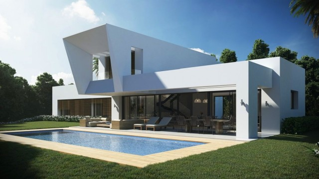Contemporary Villa for Sale in New Golden Mile, Estepona