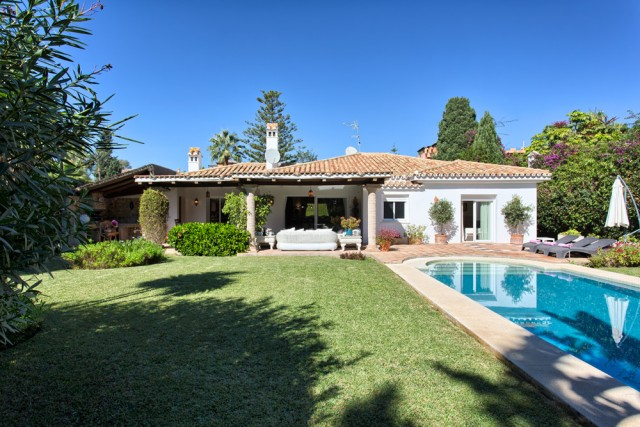 Beachside Villa in New Golden Mile, Estepona