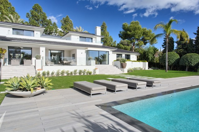 Modern Villa for Sale in Las Chapas, Marbella