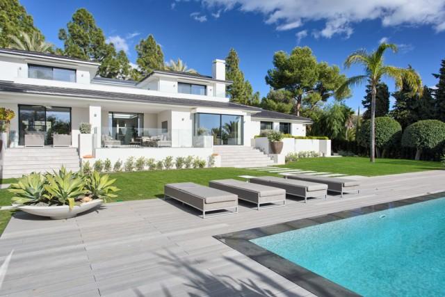 Modern Villa for Sale in Las Chapas, Marbella