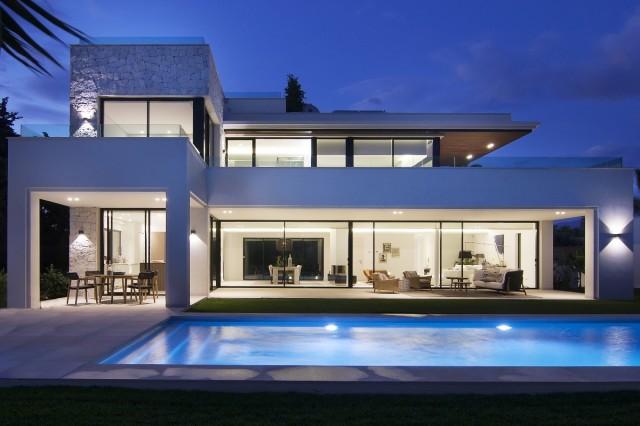 Haus zum Verkauf in Guadalmina Baja