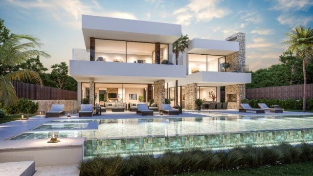 Contemporary Villa for Sale in Guadalmina Baja, Marbella