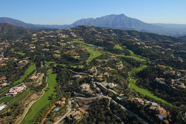 Plot/Land for Sale in La Zagaleta, Benahavis