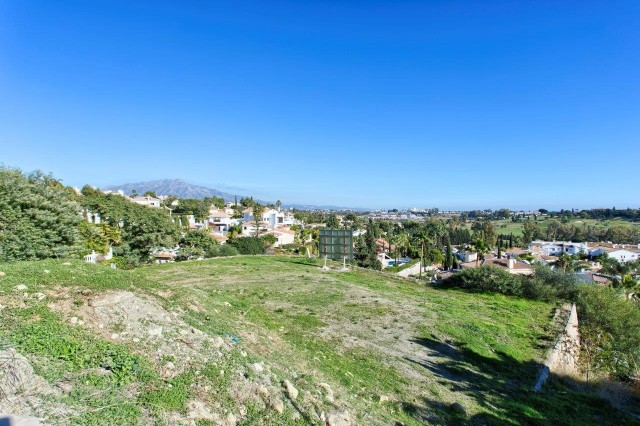 Plot/Land for Sale in El Paraiso, Estepona