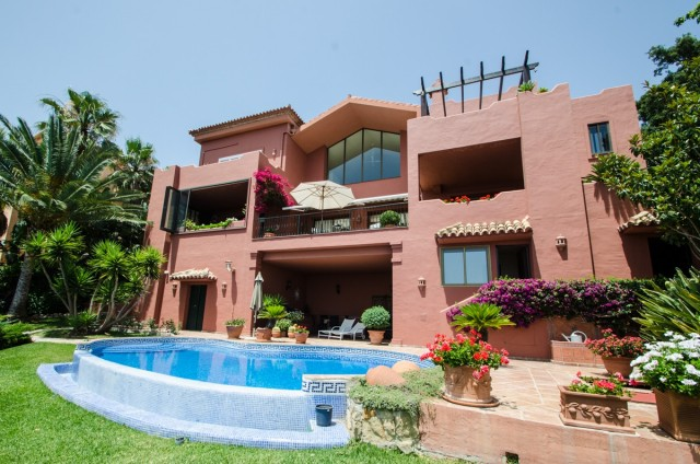 Villa te Koop in Marbella East