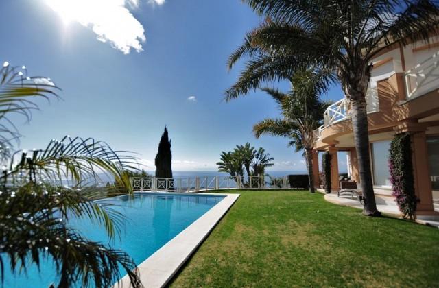 Haus zum Verkauf in Los Monteros