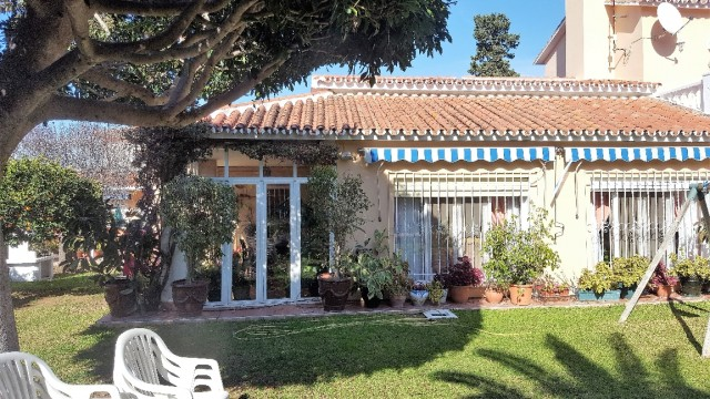 Villa for Sale in Alhaurín de la Torre
