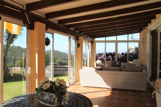 Villa for Sale in Istán