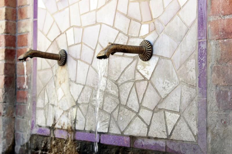 Pueblo-Fountain