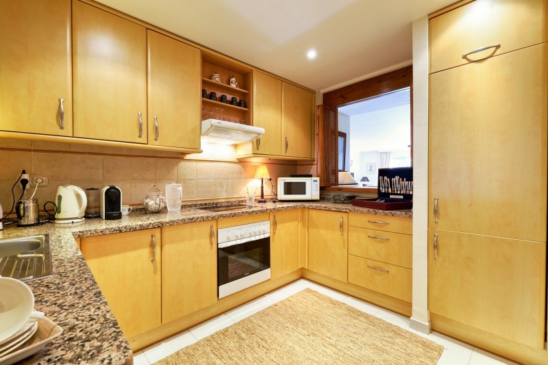 Kitchen (1) (Large)