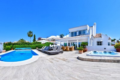 779870 - Detached Villa For sale in Marbella East, Marbella, Málaga, Spain