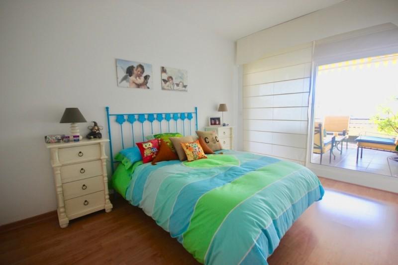 Guest bedroom 1 (2) (Large)