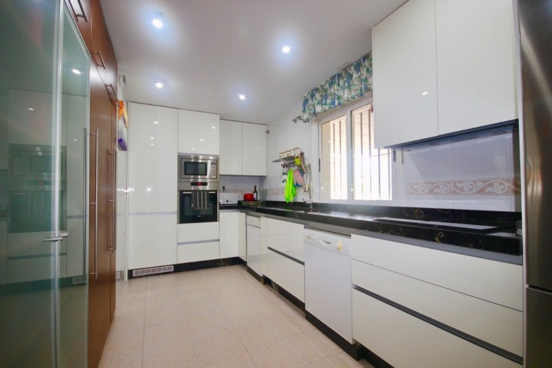 Kitchen  (2) (Large)