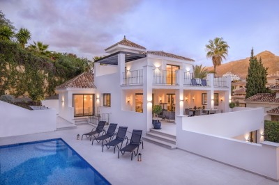 781058 - Detached Villa For sale in Nueva Andalucía, Marbella, Málaga, Spain