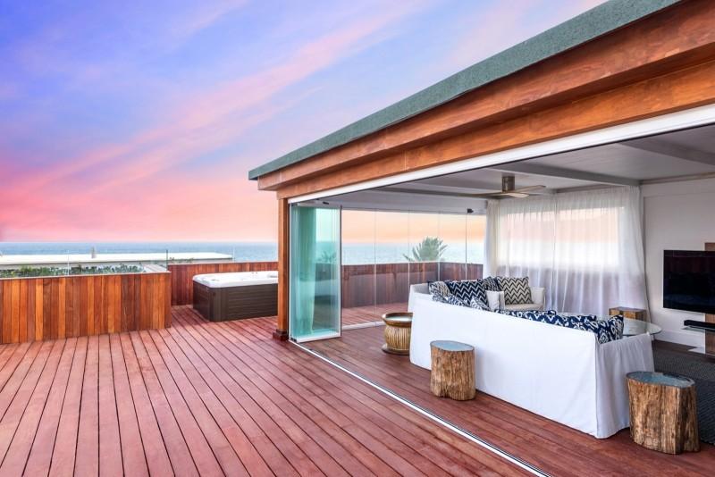 Glazed terrace solarium