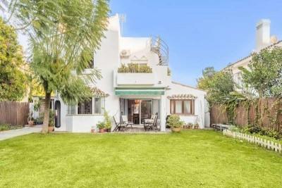 787314 - Detached Villa For sale in Atalaya, Estepona, Málaga, Spain