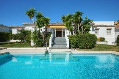 788371 - Detached Villa For sale in Atalaya, Estepona, Málaga, Spain