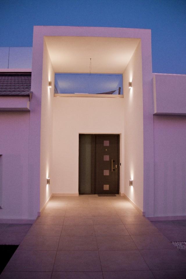 Villa by night (4)