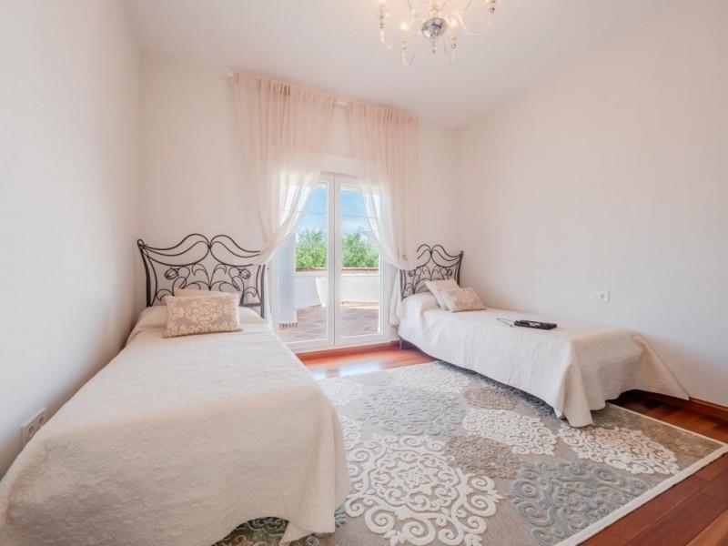 Bedroom  (9)