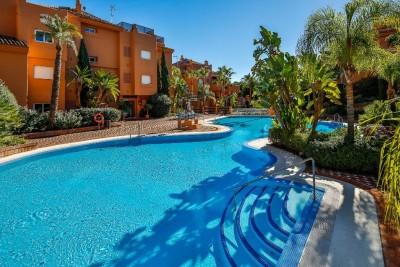 790241 - Garden Apartment For sale in Sierra Blanca, Marbella, Málaga, Spain