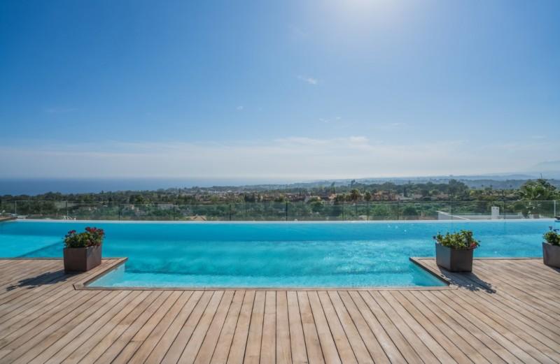 Private pool  (1)
