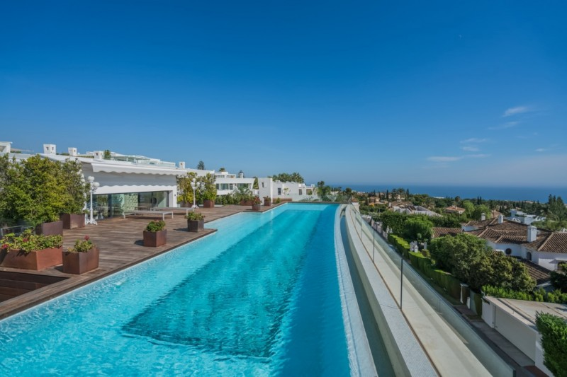 Private pool  (4)