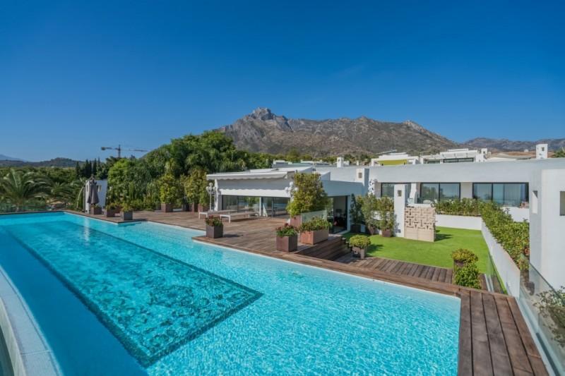 Private pool  (5)