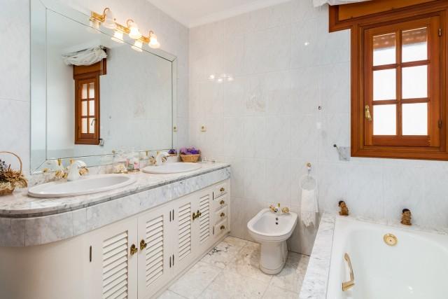 2nd-Bathroom-2