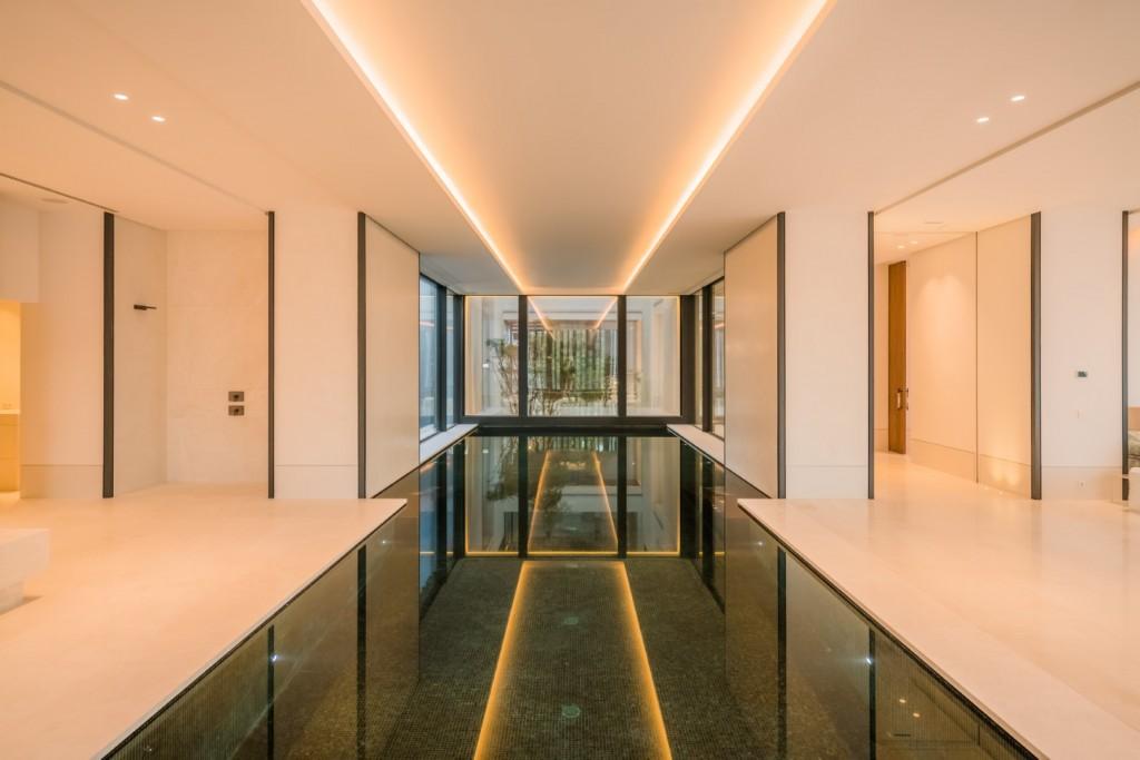 Indoor pool  (2)