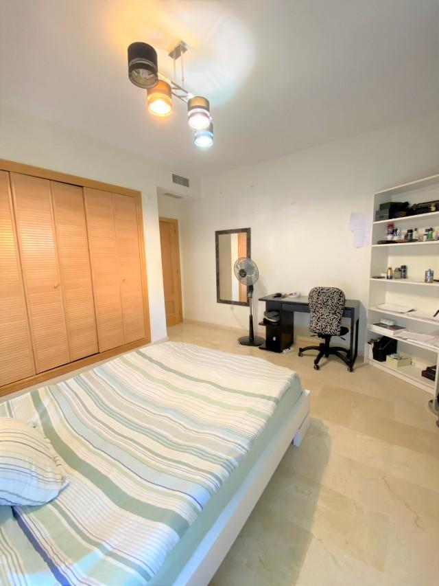 Guest bedroom 3 (2)
