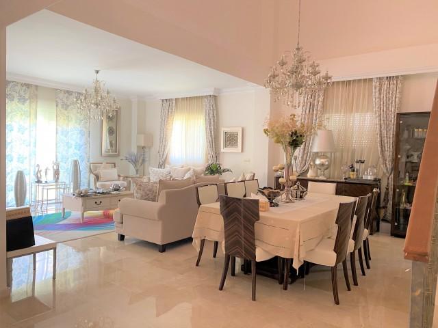Lounge - dining room  (1)