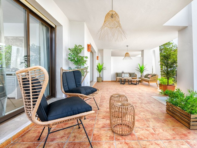 Ground floor terrace  (2)