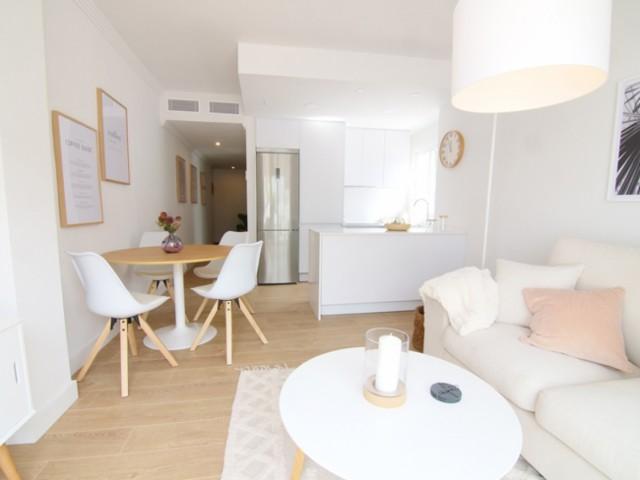 Lounge dining room  (8)