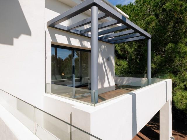 Upstairs terrace (3)
