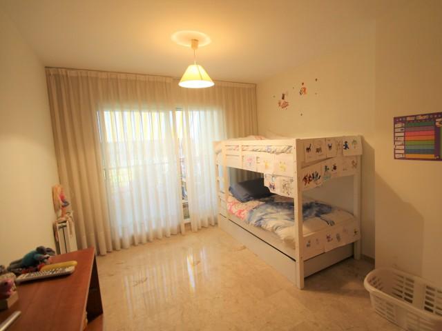 Guest bedroom 4 (1)