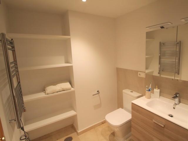 Master bathroom 1 (1)