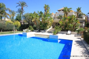 Luxurious Villa on the beachside near Marbella with beautiful garden and pool