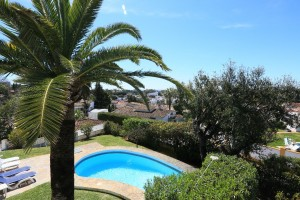 Lovely three bedroom villa in Elviria with seaviews.
