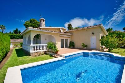 Villa zu verkaufen in Elviria, Marbella, Málaga, Spanien