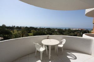Studio apartment in need of refurbishment - lovely little project on the beachside of Marbesa. Ideal for summer renatals.