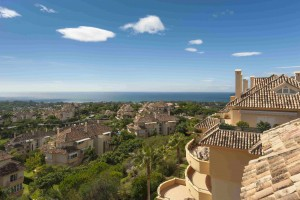 Magnificent duplex penthouse in Elviria Hills, east Marbella!