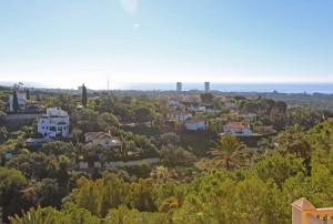 Completely renovated townhouse with a fantastic view over to the sea and Africa