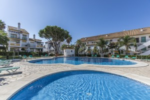 South facing apartment on the beach side in Carib Playa, East Marbella.