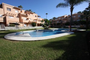 Ground floor apartment in Dunas de Carib Playa East Marbella, walking distance to the beach