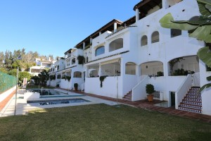Large penthouse with direct lift on the beachside of Elviria, East Marbella.