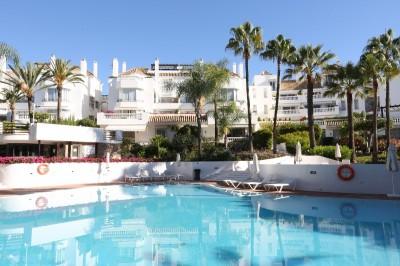 789809 - Apartment For sale in Elviria Playa, Marbella, Málaga, Spain