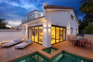 804801 - Detached Villa For sale in Puente Romano, Marbella, Málaga, Spain
