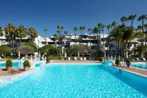 804889 - Duplex Penthouse for sale in Puente Romano, Marbella, Málaga, Spain